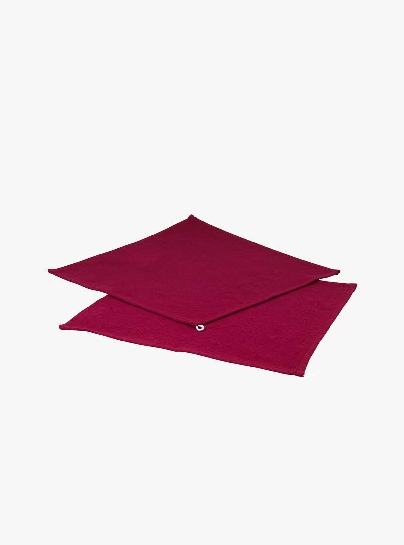 le tablier | zwei dunkelrote Tücher zum Abtrocknen