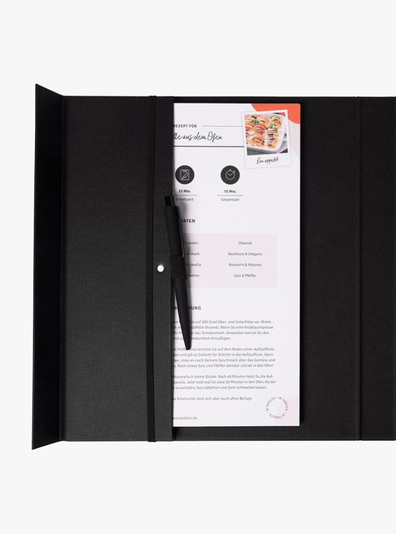 le tablier | schwarzes Rezeptbuch mit Block und Stift