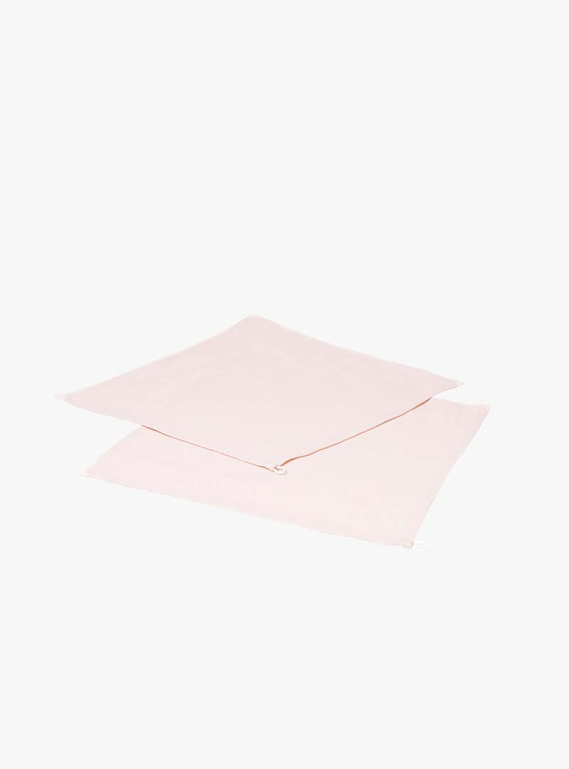 le tablier | zwei rosa Abtrockentücher übereinandergelegt