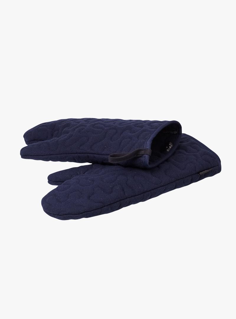 le tablier | dunkelblaue Ofenhandschuhe mit schwarzen Schlaufen und einem organischen Muster