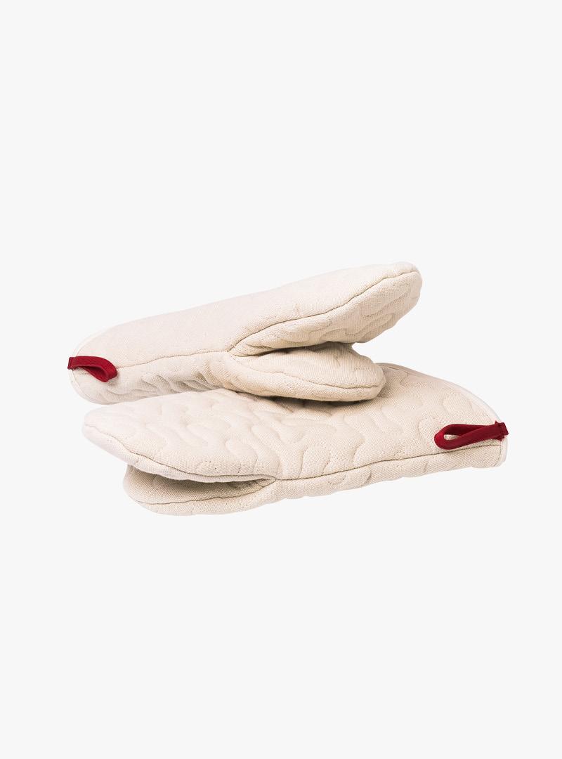 le tablier | beige Ofenhandschuhe mit roten Schlaufen
