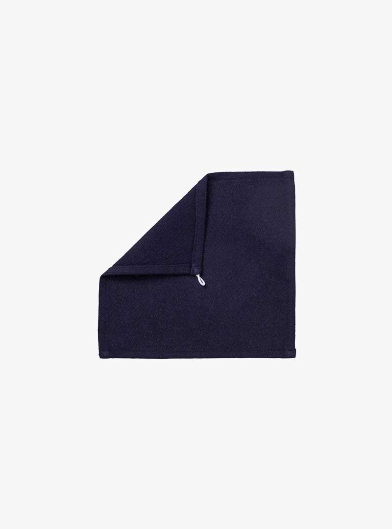 le tablier | dunkelblaues Abtrockentuch mit umgeschlagener Ecke